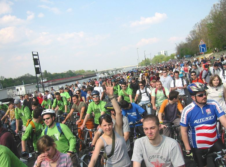 The ride gets going slowly, because of the extremely dense crowd.