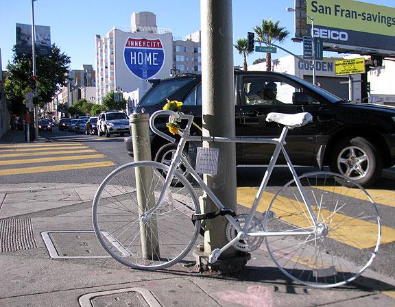 white-bike_4823